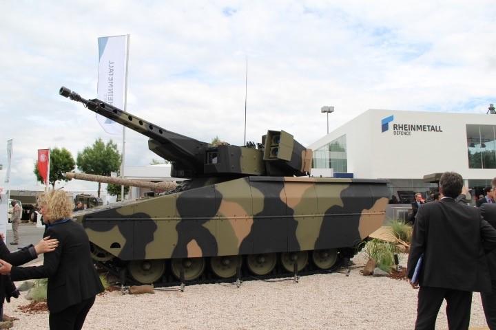 Premier tank furtif & canon laser intégré